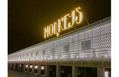 MONKEY'S HOTEL